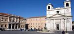 Il Duomo e l'Arcivescovado sulla piazza del duomo